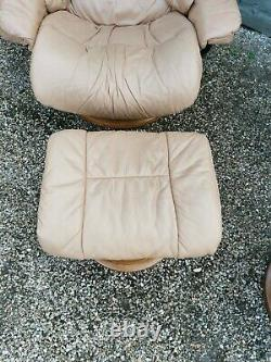 2 x Ekornes Stressless Recliner Chair with Footstool Leather beige tan retro