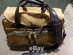 Filson Tan Padded Computer Bag, well broke in. Nice patina Style 258 Vintage