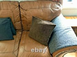 Large leather 3 seater sofa cigar club tan chair vintage chesterfield stud detai