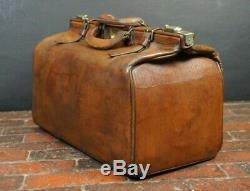 Medium Size Vintage Tan Leather English Gladstone Bag