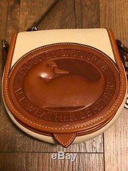 RARE Vintage Dooney and Bourke Big Duck Shoulder Bag IVORY/TAN