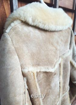 Sherpa Leather Jacket-Vtg-Mountian Woman-10-Tan-Buttons-Fur Lined-Winter Coat