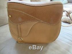 VINTAGE GUCCI Equestrian Saddle Bag Saddle Stirrup Charm Leather Handbag TAN