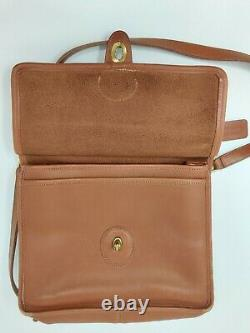 Vintage COACH Tan Leather Willis Crossbody
