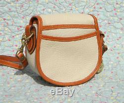 Vintage Dooney and Bourke Big Duck Shoulder Bag Bone / Tan U. S. A