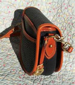 Vintage Dooney and Bourke Big Duck Shoulder Bag Dark Navy / Tan U. S. A